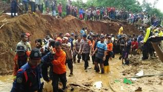 Longsor Dominasi Bencana di Jabar Sepanjang 2018