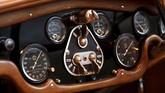 Selain eksteriornya unik, Hispano-Suiza H6B Cabriolet Sport Double-Phaeton juga punya ciri khas pada dasbor. (REUTERS/Charles Platiau)