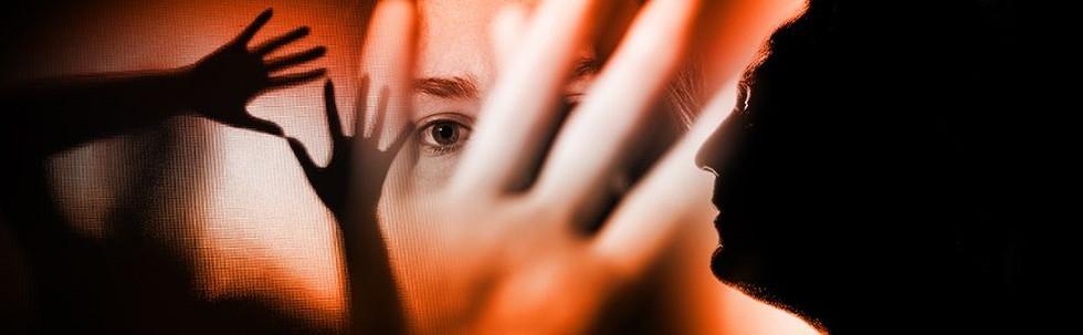 Perempuan Menggugat Kekerasan