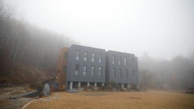 Berlokasi di Hongcheon, Korea Selatan, ada hotel bernama Prison Inside Me yang menyediakan fasilitas dan layanan layaknya penjara.