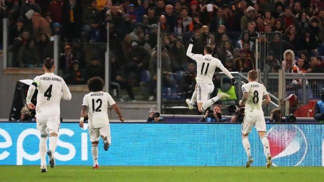 Gareth Bale mencetak gol ketiga dalam Liga Champions musim ini. Catatan gol Bale sama dengan Karim Benzema yang juga telah mengemas tiga gol di kompetisi elite Eropa. (REUTERS/Tony Gentile)