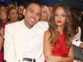 Rihanna-Chris Brown Disebut Masih Berhubungan Baik