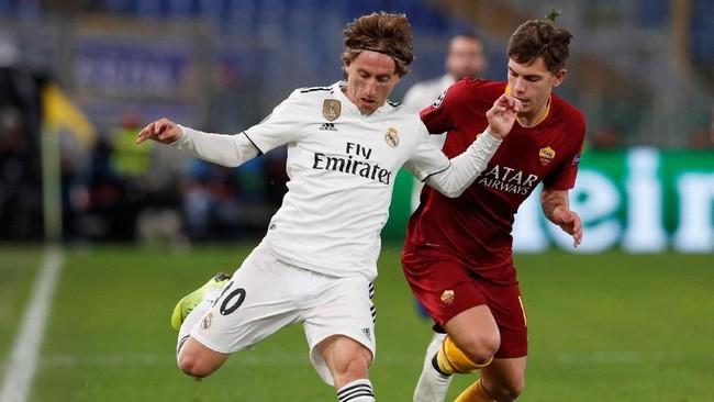 AS Roma dan Real Madrid membutuhkan poin pada matchday kelima untuk memastikan tiket ke babak 16 besar Liga Champions. (REUTERS/Alessandro Bianchi)