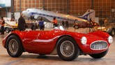 Maserati A6 GCS by Fantuzzi produksi 1953 juga menjadi daya tarik tersendiri saat lelang mobil antik Retromobile digelar pada 8-10 Februari 2019 di Paris. (REUTERS/Charles Platiau).