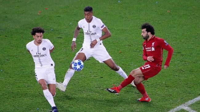 Liverpool terus berusaha mengejar ketinggalan di babak kedua. Namun lini pertahanan PSG tampil disiplin menghalau serangan. (Reuters/Charles Platiau)