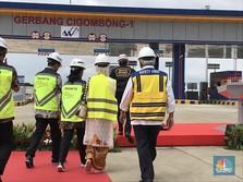 Berbalut Jaket Trendy, Jokowi Resmikan Tol Bocimi