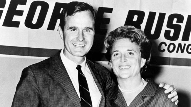 Kisah Ciuman Pertama untuk Selamanya George HW Bush-Barbara