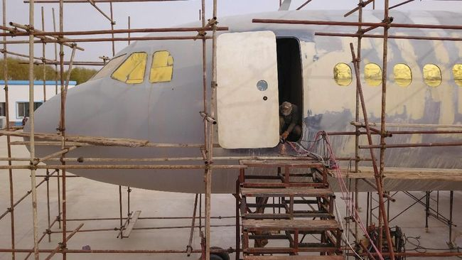 Gagal Jadi Pilot, Petani Bawang Putih Bangun Replika Pesawat