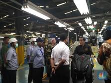 Tunggangi Xmax, Jokowi Lepas Ekspor 1,5 Juta Unit Yamaha