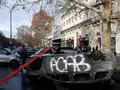 FOTO: Sisa-Sisa Amuk Demonstran Rompi Kuning di Paris