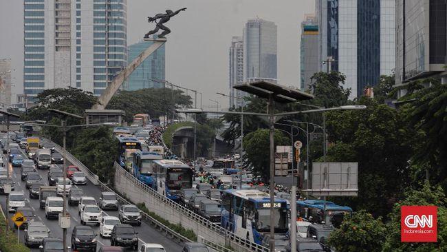 Pendapatan Landai, DKI Genjot Pajak Restoran hingga Kendaraan