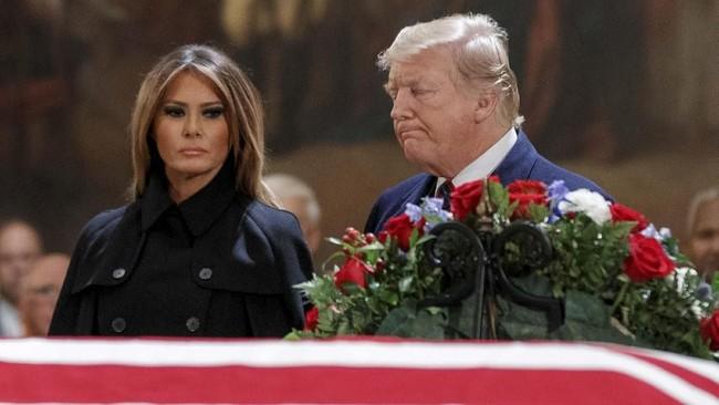 Presiden Donald Trump dan istrinya, Melania, juga hadir dalam acara tersebut, tapi tak memberikan pidato. (Shawn Thew/Pool via Reuters)