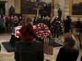 Washington Mengesampingkan Ego dalam Pemakaman Bush