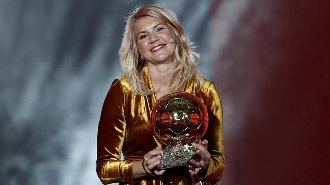 Ada Hegerberg tercatat sebagai peraih Ballon d'Or Wanita edisi perdana. (REUTERS/Benoit Tessier TPX IMAGES OF THE DAY)