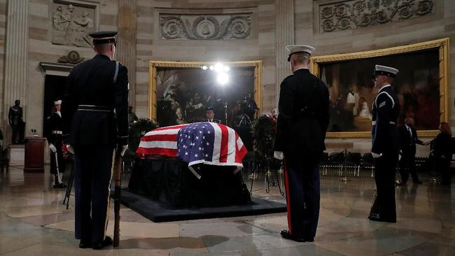 Jasad George HW Bush Mulai Disemayamkan di Gedung Capitol