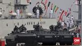 Pasukan TNI Angkatan Laut mengikuti upacara memperingati Hari Armada RI di Dermaga Pondok Dayung, Tanjung Priok, Jakarta Utara. (CNN Indonesia/Adhi Wicaksono)