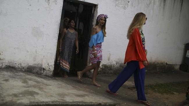 Kontes kecantikan ini jadi salah satu cara untuk membantu para narapidana meningkatkan kepercayaan dirinya. (REUTERS/Pilar Olivares)
