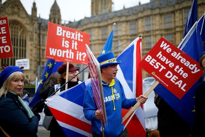 Perceraian Inggris dengan Uni Eropa dimulai pada pertengahan 2016 lalu saat rakyat Inggris mengadakan referendum.