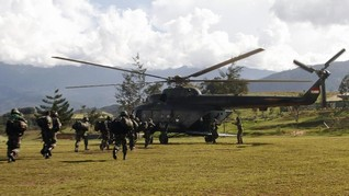 Bantu Cari Heli TNI di Papua, Bupati Tanya Warga Kampung