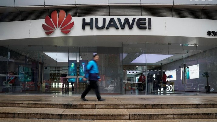Barack Obama, Donald Trump, & Awal Mula Sengketa Huawei vs AS