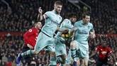 Manchester United gagal memanfaatkan laga kandangnya dan hanya mampu bermain imbang lawan Arsenal di Old Trafford, Kamis (6/12) dini hari WIB. (REUTERS/Darren Staples)