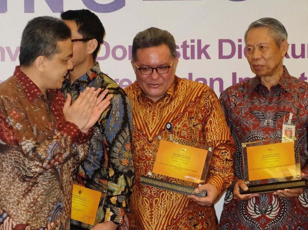 BCA meraih penghargaan pada acara Investor Meeting Kementerian Keuangan Republik Indonesia 2018 di Jakarta, Senin (3/12/2018). Pool/BCA.