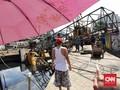 FOTO: Crane Jatuh di Kemayoran Timpa Rumah Warga