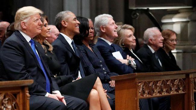 Empat Presiden AS Duduk Berdampingan untuk George HW Bush