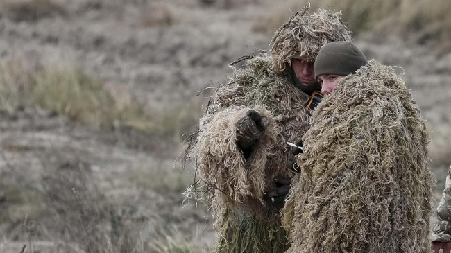 Ukraina meminta anggota NATO, termasuk Jerman, untuk mengirimkan kapal-kapal angkatan laut ke Laut Azov untuk membantu menghadapi Rusia. (REUTERS/Gleb Garanich)