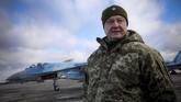 Presiden Ukraina Petro Poroshenko menyatakan kemungkinan mereka akan terlibat perang terbuka dengan Rusia. (Mikhail Palinchak/Ukrainian Presidential Press Service/Handout via REUTERS)