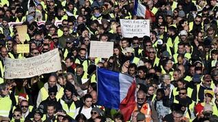 Ribuan Demonstran Rompi Kuning Kembali Turun ke Jalan