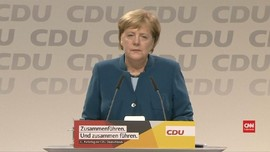 VIDEO: Tepuk Tangan 10 Menit Iringi Undur Diri Angela Merkel