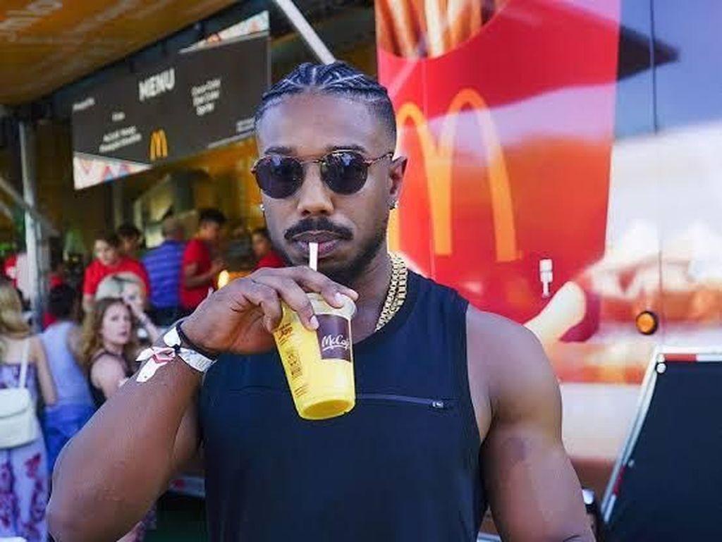 Sukses Bintangi Creed Michael B Jordan Juga Doyan Makan Chicken Wings