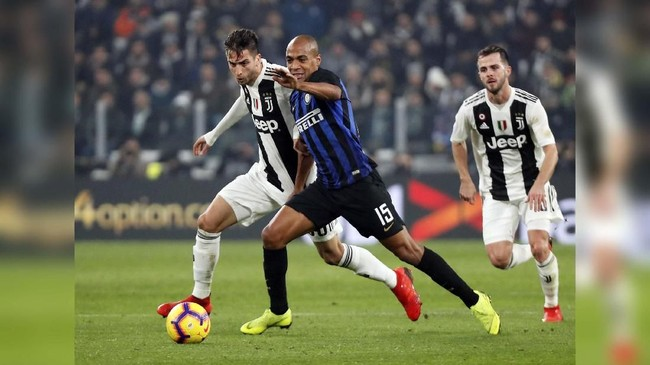 Juventus menjamu Inter Milan dalam lanjutan Liga Italia pekan ini. Duel ini lebih dikenal dengan sebutan derby d'Italia. (REUTERS/Stefano Rellandini)