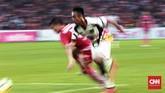 Mitra Kukar yang tertinggal 0-2 sejak menit ke-59 berupaya keras mencetak gol hingga wasit meniup peluit akhir. (CNN Indonesia/Andry Novelino)
