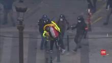 VIDEO: Rusuh Demo IV Rompi Kuning di Paris