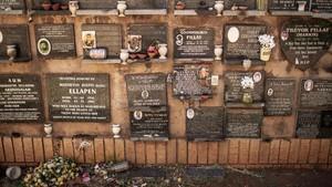 FOTO: Mencari Liang Lahad untuk Jasad di Afrika Selatan