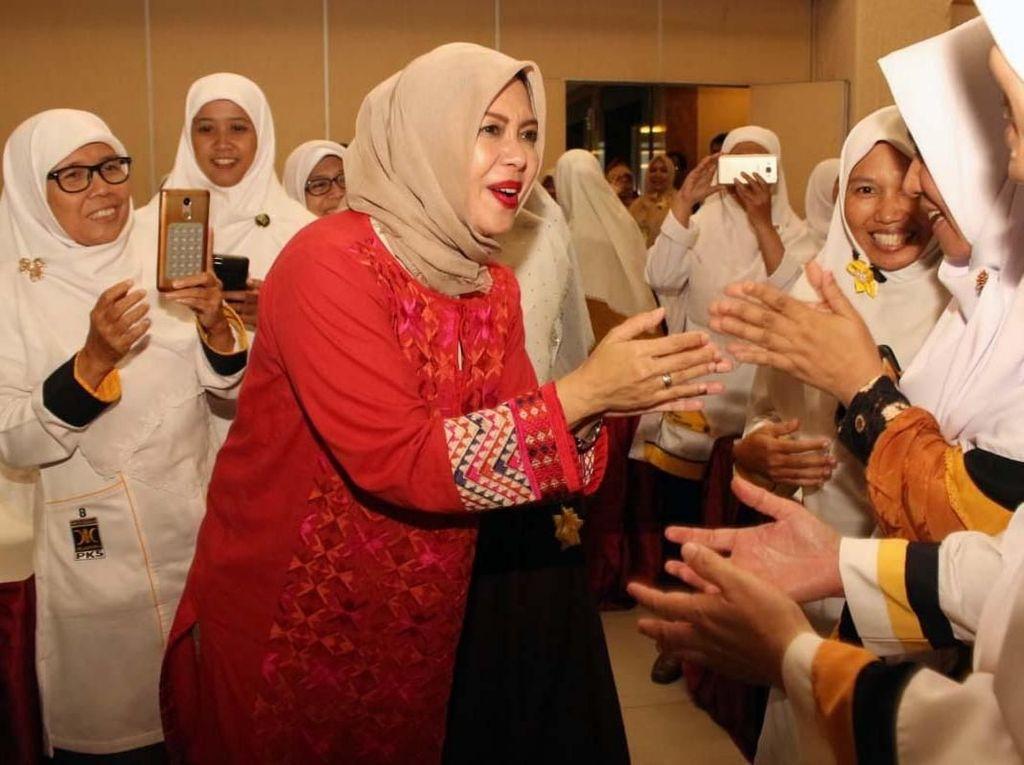 Nur Asia Hadiri Acara Bersama Caleg Perempuan PKS