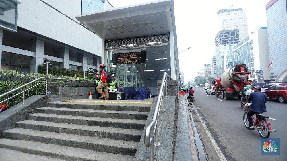 MRT direncanakan mulai beroperasi pada Maret 2019. (CNBC Indonesia/Andrean Kristianto)