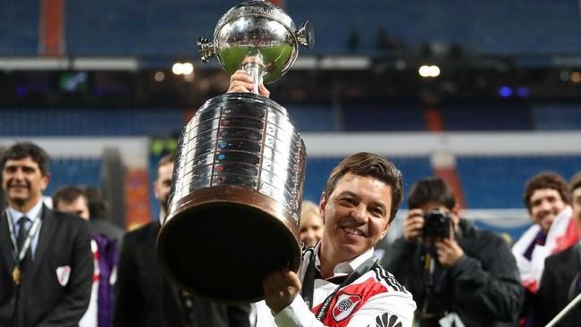 Mengalahkan Boca Juniors 3-1 membuat pelatihMarcelo Gallardo meraih gelar Copa Libertadores keduanya bersama River Plate setelah 2015. Semasa menjadi pemain Gallardo juga menjuarai Copa Libertadores 1996. (REUTERS/Sergio Perez)