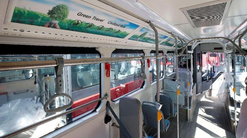100 bus listrik pertama yang dikirim dari China menjadi harapan warga Chile untuk merevolusi sistem transportasi umum mereka. (Reuters/Rodrigo Garrido)