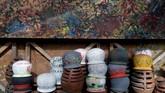 Berbagai produk gerabah Klipoh meliputi kendil, cobek, blengker, kuali, hingga anglo. Harganya pun bervariasi, mulai dari Rp2.000 hingga Rp30 ribu.