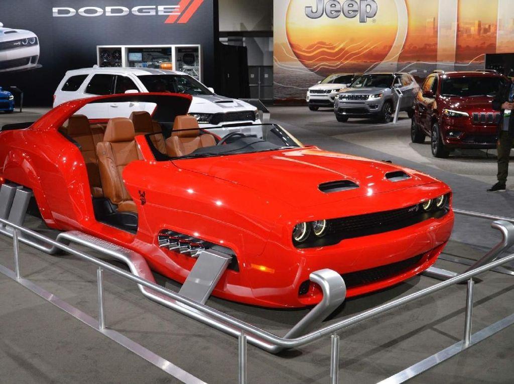 Mobil Dodge Pengganti Kereta Salju Santa Claus