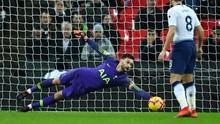 Kiper Tottenham Ungkap Cara Menghentikan Lionel Messi