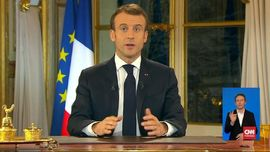 VIDEO: Redam Rompi Kuning, Macron Tingkatkan Upah Minimum