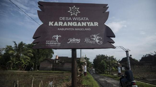 Dusun Klipoh terletak di Desa Karanganyar, Kecamatan Borobudur, Kabupaten Magelang, Provinsi Jawa Tengah. Tempat ini adalah 'gudangnya' seniman gerabah.