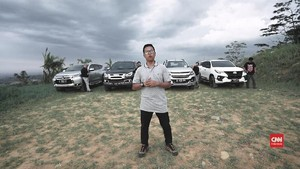 VIDEO: Adu Stabilitas Suspensi 4 SUV di Trek 'Offroad'
