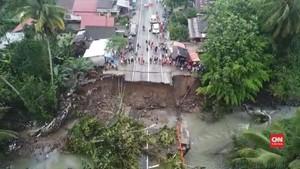 VIDEO: Jembatan Putus, Jalur Padang-Bukittinggi Dialihkan