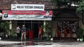 Rumah Terduga Pengeroyok Anggota TNI Dirusak Massa