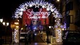 Salah satu pasar Natal terkenal di Prancis, Strasbourg, berubah berdarah setelah insiden penembakan pada Selasa (11/12) malam. (Reuters/Vincent Kessler)